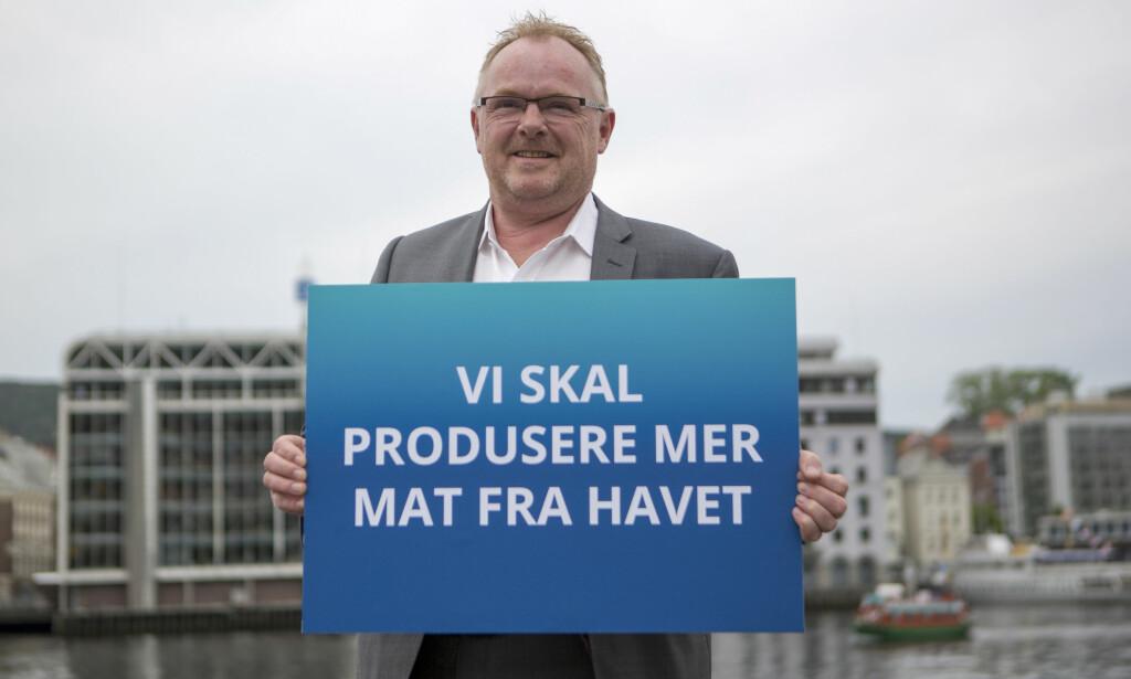PER PÅ PRIVATEN, TAKK: Per Sandbergs ambisjoner for oppdrettsnæringen har skapt konflikt med forskere før. Nå ligger det an til mer bråk. Foto: Emil Breistein / NTB Scanpix