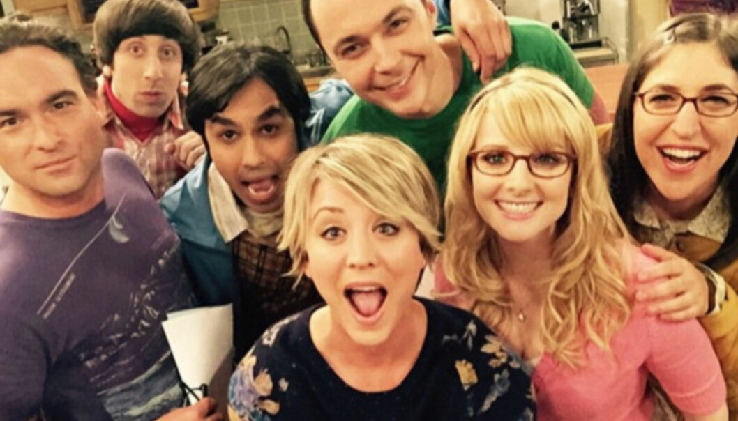 «THE BIG BANG THEORY»: Melissa Rauch, som Bernadette, sammen med resten av «The Big Bang Theory»-gjengen. Foto: NTB Scanpix