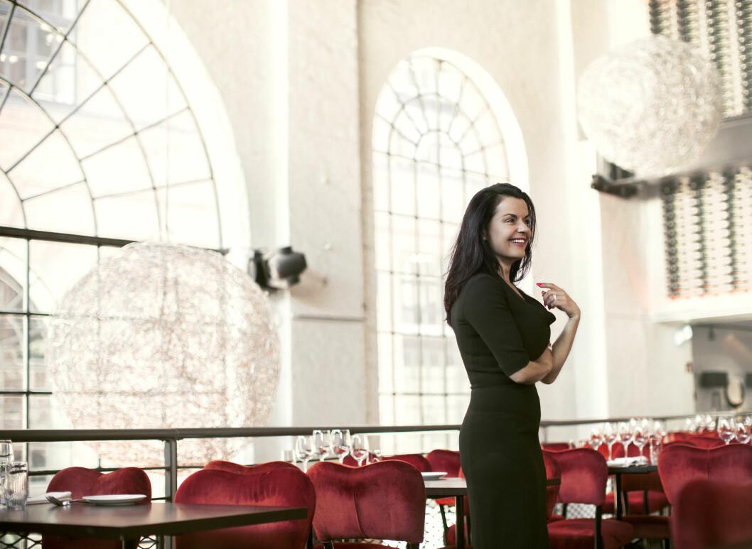 FULL KONTROLL: - Jeg har full kontroll over alle kostnader, sier Elina Krantz om humorbedriften Stand Up Norge, og scenehuset Latter. Foto: Astrid Waller