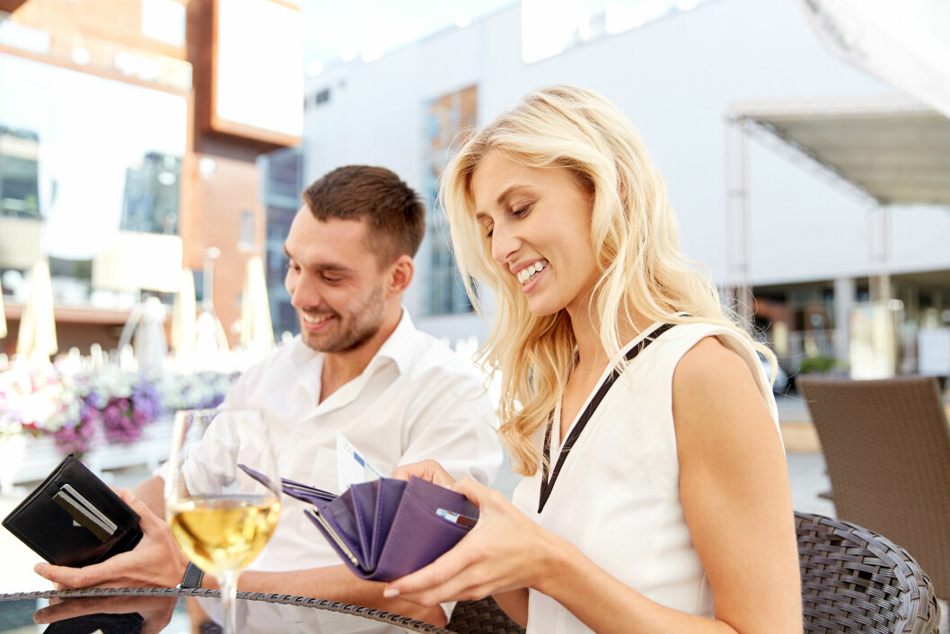 <strong>RESTAURANTER:</strong> Det går mye penger på restaurantbesøk i ferien.