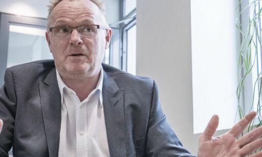 image: Lakselobbyist nagler Per Sandberg til hemmelig epost-kanal: I dag må ministeren vitne