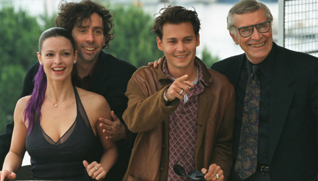<strong>KJENT SKUESPILLER:</strong> Marin Landau avbildet sammen med «Ed Wood»-motspiller Johnny Depp og filmens regissør Tim Burton under filmfestivalen i Cannes i 2006. Også Landaus datter, Juliette Landau (t.v.), hadde en rolle i filmen. Foto: Reuters/ NTB scanpix