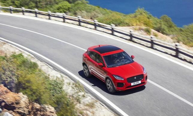 FEM MOTORER: Ved oppstart kan E-Pace-kunden velge mellom tre diesel- og to bensinmotorer. Raskeste versjon, med 300 hester, gjør 0-100 på 6,4 sekunder. Foto: Jaguar