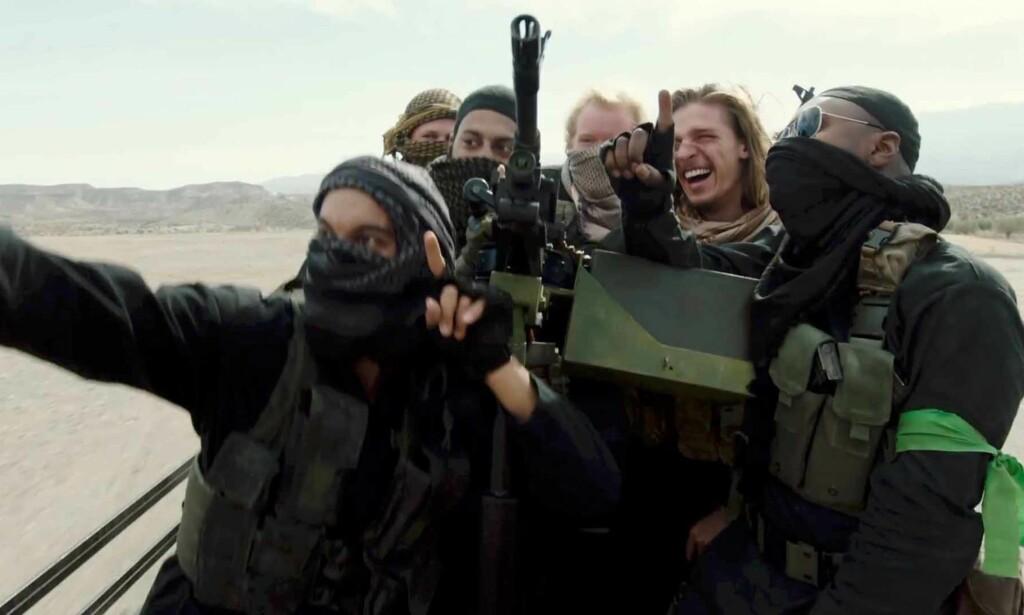 SLÅSS FOR IS: I den kommende serien «The State» reiser fire briter til Syria for å slåss for IS. Foto: Archery Pictures