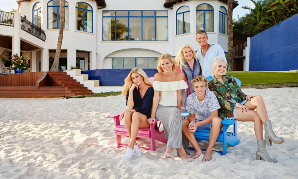 FAMILIEN PARNEVIK: TV3-serien slo godt an i Norge. Foto: TV3/Linus Hallsenius