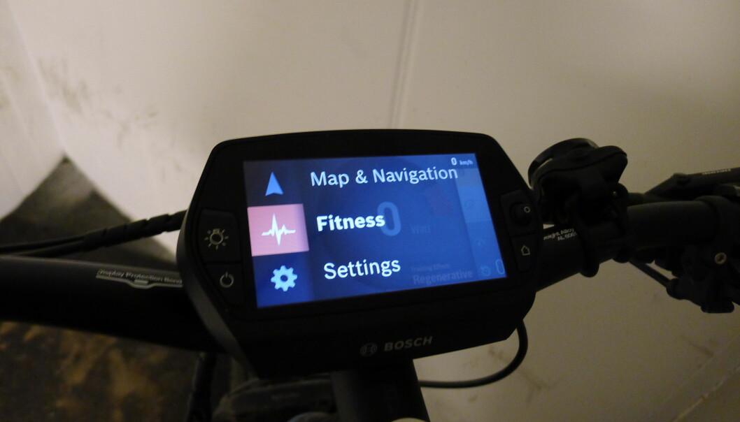 <strong>MANGE VALG:</strong> Bosch Nyon lar deg velge mellom flere ulike skjermer, avhengig om du vil følge med på hastighet, formkurve eller sykkelens tekniske egenskaper. Foto: Tore Neset