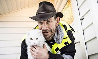 <strong>LOTHES PUS:</strong> Leif Einar Lothe eier en hund og to katter. Sistnevnte kjæledyr har imidlertid ingenting med 47-åringens kallenavn å gjøre. Foto: Lars Eivind Bones / Dagbladet