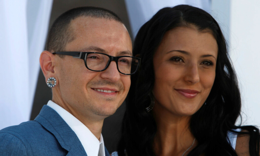 UTTALER SEG: Torsdag 20. juli kom nyheten om at Linkin Park-vokalist Chester Bennington var død. Nå har resten av bandet og familien hans, deriblant kona Talinda (t.h.), uttalt seg. Foto: Reuters/ NTB scanpix