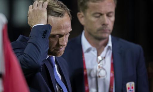 UTSLÅTT: Trener Martin Sjögren (t.v.) fortviler etter enda et tap. Men denne EM-exiten er mye mer enn en personlig skuffelse. FOTO: Berit Roald / NTB scanpix