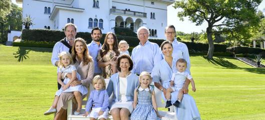 Den svenske kongefamilien delte nytt familiebilde. Men ikke alle fikk med seg kleskoden ...
