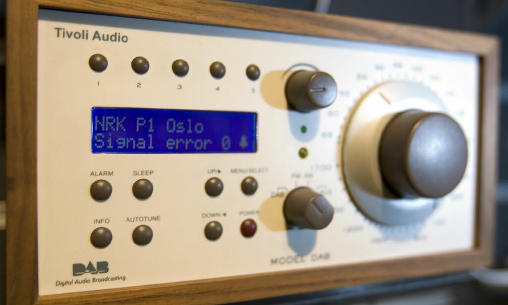 SKROT: Kjøpte du en slik dyr radio for noen år siden, er den ubrukelig i dag med mindre du benytter den som høyttaler for ekstern DAB+/nettradio/Bluetooth. Foto: Håkon Mosvold Larsen/SCANPIX