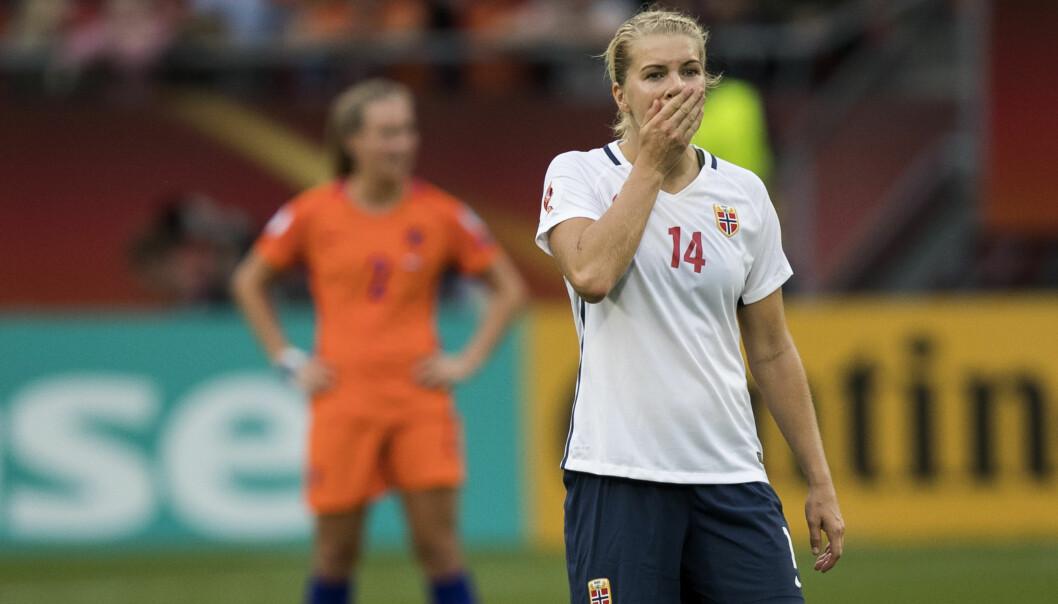FULLSTENDIG MÅLLØS: Ada Hegerberg og resten av det norske landslaget fikk et tøft EM. Nå vil Hegerberg finne ut hva som gikk galt. Foto: Berit Roald / NTB Scanpix
