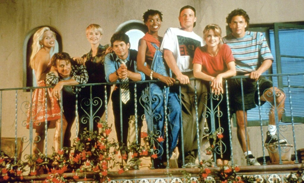 SUKSESS: «Melrose Place» var en stor serie på 1990-tallet. Fra venstre ser vi Amy Locane, Grant Show, Josie Bissett, Thomas Calabro, Vanessa Williams, Doug Savant, Courtney Thorne-Smith og Andrew Shue. Foto: Fox, TV 3