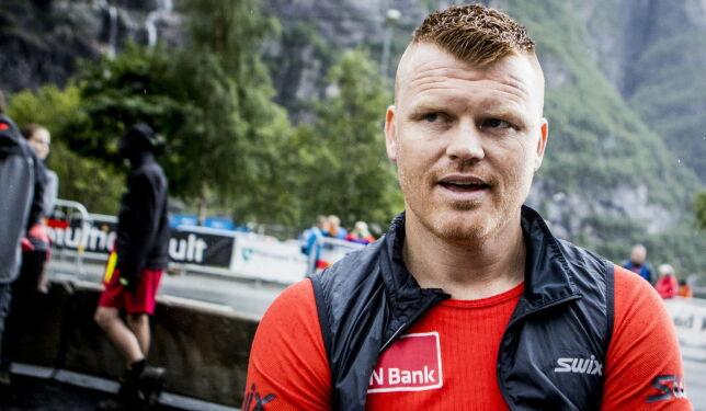 image: Riise hylles av Bjørgen: - Det står respekt av det han gjør