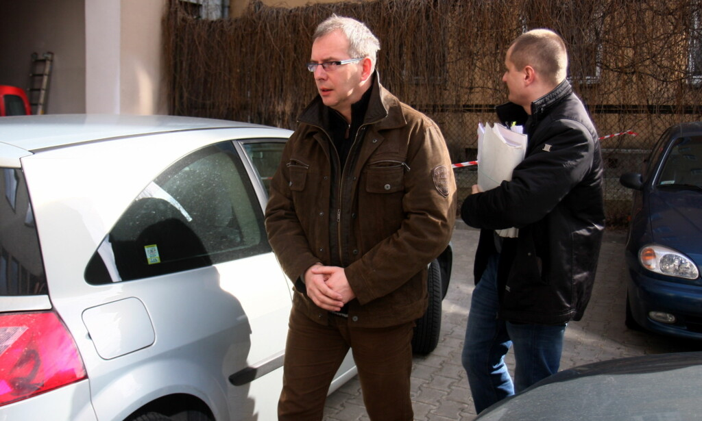 ARRESTERT: 28. mars 2011 ble ordfører Piotr Czubinskiu arrestert. Han ble anklaget for å ha stjålet norske EØS-midler. Foto: Foto: Jacek Swiercynski/Dziennika Wschodniego