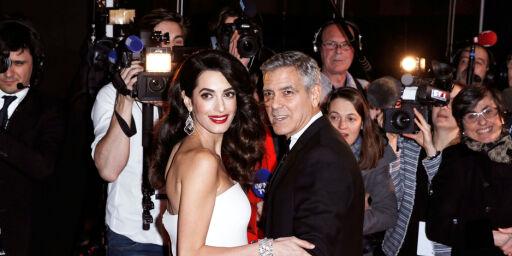 image: Fransk blad trykket bilder av Clooney-tvillingene uten tillatelse: - Fotografene klatret på gjerdet vårt