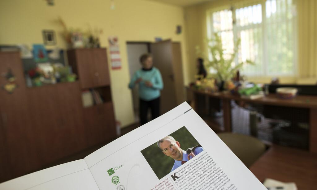 STORE VISJONER: I fargebrosjyren der prosjektet presenteres er det et bilde av ordføreren, yngre og målbevisst. Han er kledd i svart dressjakke, skjorta er lys, slipset rødt og blikket stålblått. Foto: Tomm W. Christiansen/Dagbladet