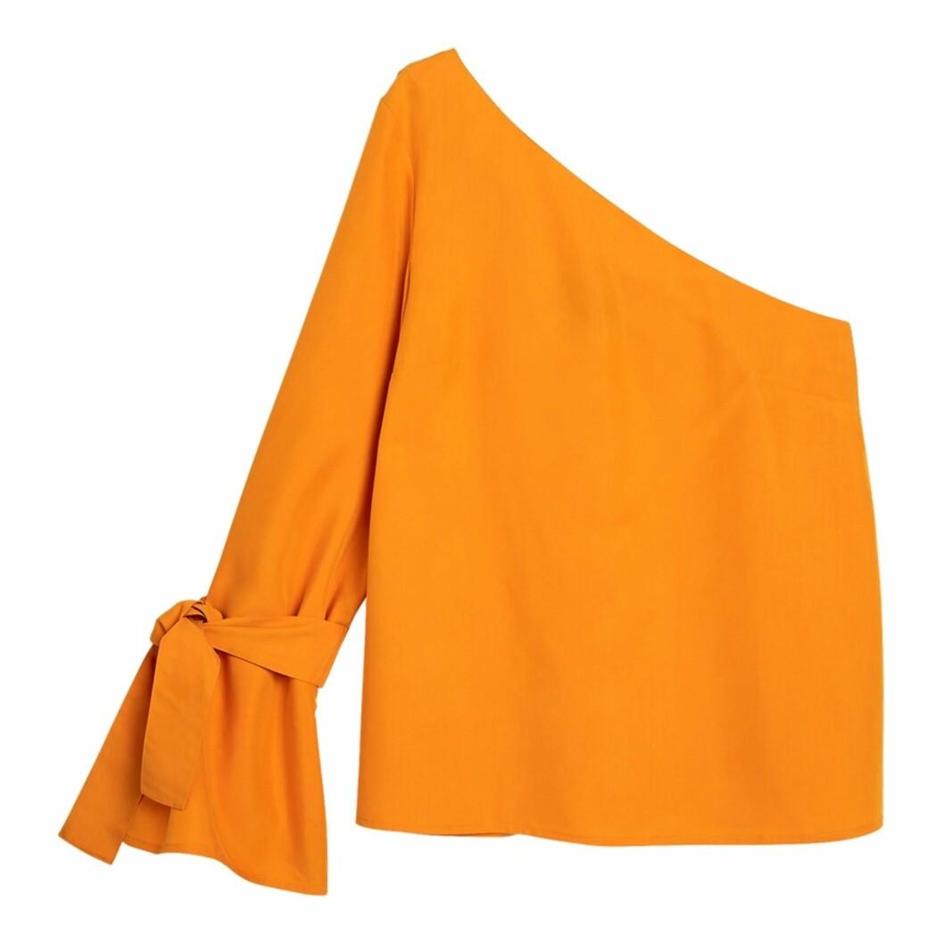 <strong>Topp fra Lindex | kr 399 | https:</strong>//www.lindex.com/no/dame/sharp/7627190/One-shoulder-bluse/