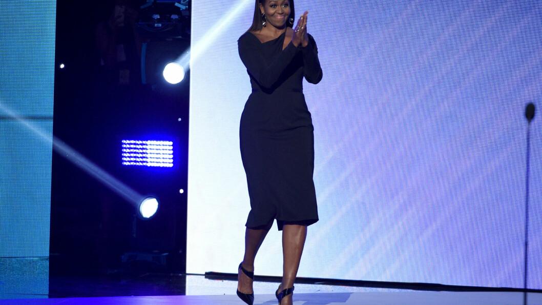 MICHELLE OBAMA: Den tidligere førstedamen delte ut pris under ESPY-utdelingen denne uken. Foto: INVISION