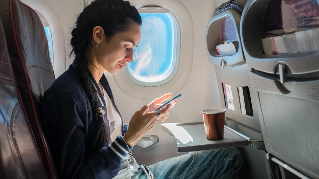 HYGIENE PÅ FLY: Ifølge ny test er det ikke toalettet på flyet som er den verste bakteriebomben ...  Foto: NTB scanpix