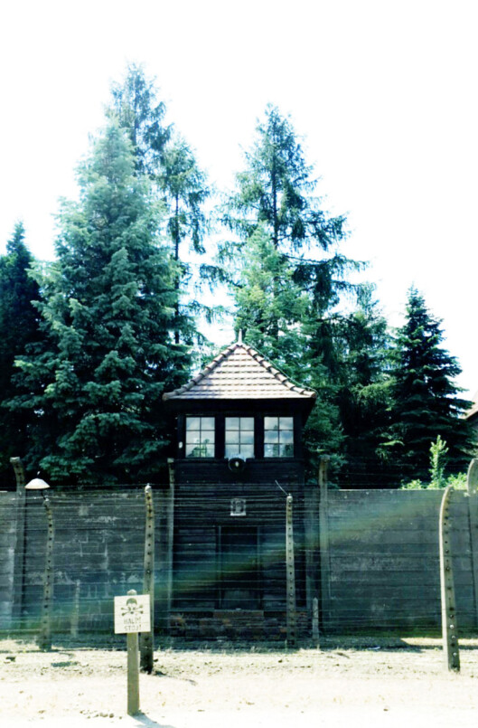 <strong>TYDELIGE SPOR:</strong> Slik ser det ut utenfor blokk 11 i Auschwitz I, kjent blant fangene som «Dødsblokken». Foto: Malini Gaare Bjørnstad