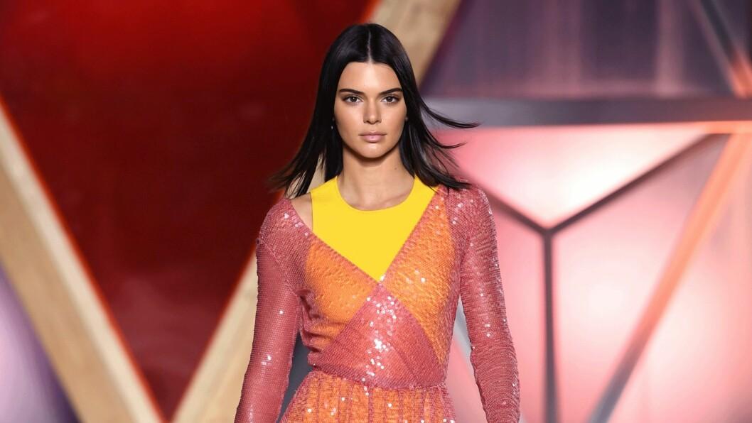 KENDALL JENNER. Modellen utforsker stadig nye trender. I Paris under haute couture-uken viste hun seg i sykkelshorts. Foto: Scanpix