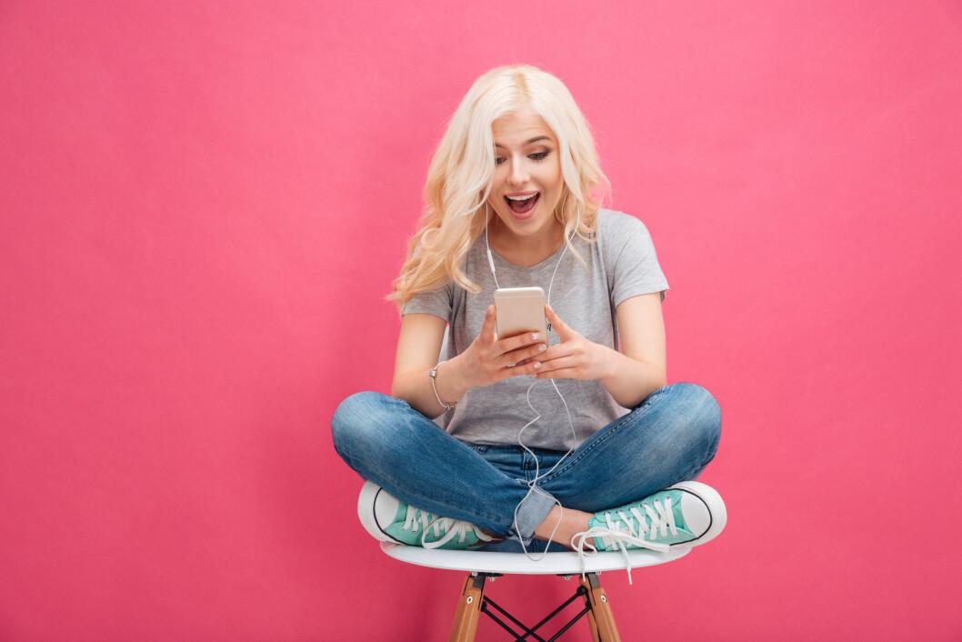 ER VI AVHENGIG AV SMILEFJES?: Unge jenter fra rundt 16 år oppover er nesten helt avhengig av smileys for å ha en god opplevelse når de sender og mottar meldinger, viser undersøkelser.  Foto: NTB scanpix
