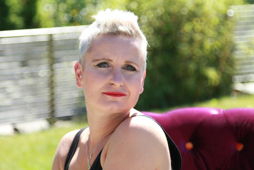 PARKINSONS: Vibeke Sørensen (42) fikk Parkinson-diagnosen for åtte år siden. En hjerneoperasjon har gitt henne et bedre liv. Foto: Tanya Johnsen
