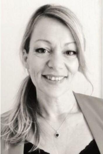 <strong>EKSPERT:</strong> Lise Holm-Glad er leder av Defines friørteam og forteller at slitt hår blir mest misfarget. Foto: Presse