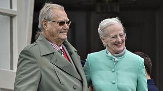 image: Dronning Margrethe bryter stillheten om ektemannens sykdom