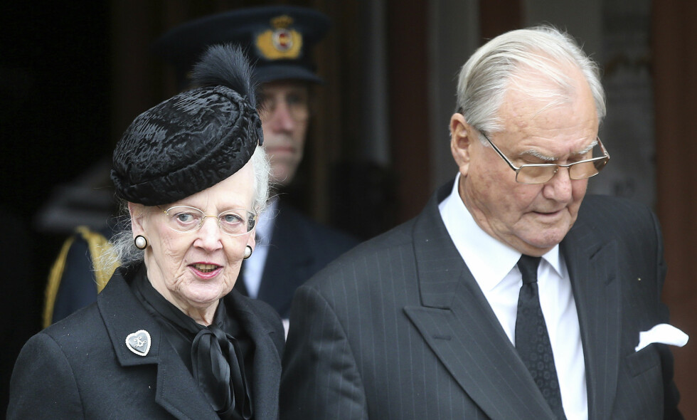 SETTER FOTEN NED: Prins Henrik vil ikke begraves ved siden av sin kone som planlagt. Han føler seg nemlig ikke likeverdig behandlet. Foto: NTB Scanpix