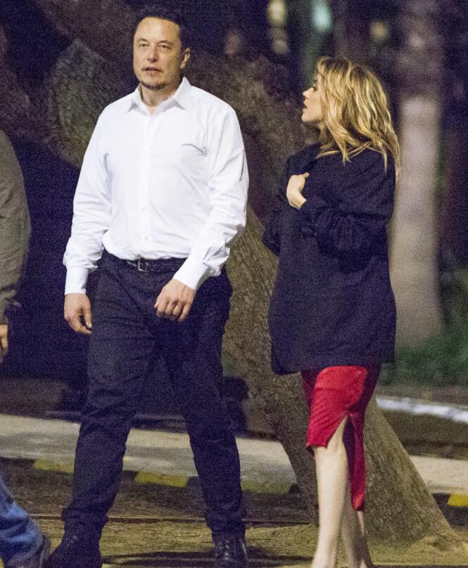 <p>PÅ DATE: I mai ble Elon Musk og Amber Heard observert sammen i Sydney, hvor de var ute på en romantisk middag sammen. Foto: NTB Scanpix </p>