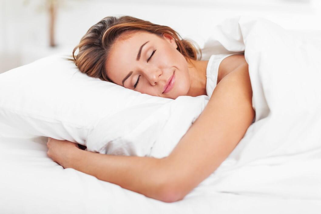 <strong>TRENGER MER HVILE:</strong> Den britiske søvnforskeren James Horne mener kvinners hjerne kan trenge mer hvile fordi den multitasker mer enn menns.  Foto: Scanpix