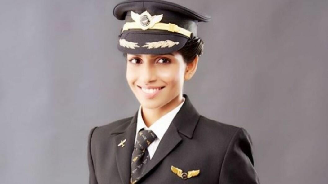 YRKER: Indiske Anny Divya er 30 år, og verdens yngste Boeing 777-pilot.  Foto: Skjermdump Instagram