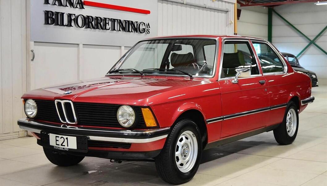 <strong>BMW 318:</strong> Med en kilometerstand på bare 5 156 km sier det seg selv at denne 78-modellen er unik. At den er laget av BMW gjør den ikke mindre interessant. 318 var ikke den mest spennende modellen da bilen var ny, men som samlerobjekt kan tilstand og kjørelengde veie opp for dette. Bilen har en utropspris på 318 800 kroner, noe som er mye for den som vil ha den som bruksbil, men helt akseptabelt for en samler. Foto: Selger