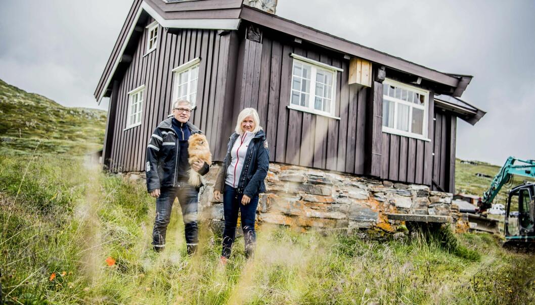 EKSTRAJOBB: Gerd og Egil Skrindo strortrives med å leie ut hytta på Vats i Hallingdal. De ser på det som en liten ekstrajobb. Foto: Thomas Rasmus Skaug / Dagbladet