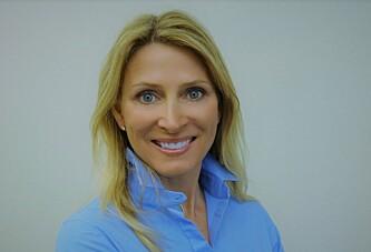 <strong>DAGLIG LEDER:</strong> Trine Nicolaysen er daglig leder i Barnekreftforeningen. Hun forklarer viktigheten av en god blodbank. Foto: Barnekreftforeningen