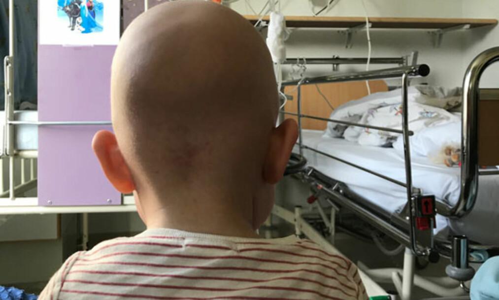 <strong>LEUKEMI:</strong> Ett år gamle Klara har leukemi og er avhengig av blodoverføring. Flere norske kjendiser viser sitt engasjement i den viktige saken. Foto: Privat