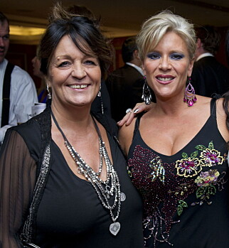 DØDE: Samantha Fox og Myra Stratton var sammen i over 10 år før Myra døde av kreft i 2015. Foto: REX/All Over Press