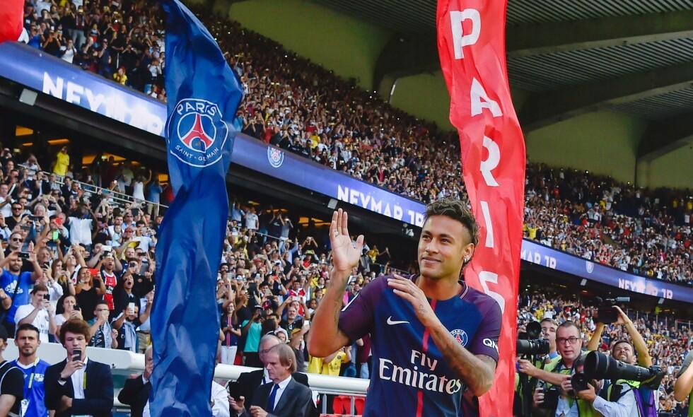 TIDENES DYRESTE: I helga debuterer Neymar for Paris Saint-Germain etter overgangen fra Barcelona. Brasilianeren kostet i overkant av to milliarder norske kroner. Foto: AFP PHOTO / ALAIN JOCARD / NTB Scanpix