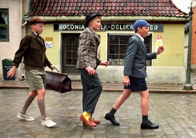 <strong>UNGE SKUESPILLERE:</strong> Thomas Engeset, Lars Berteig Andersen og Aksel Aschjem var bare 13 og 14 år gamle da de fikk rollene i «Olsenbanden Jr.» Foto: Nordisk Film &amp; TV