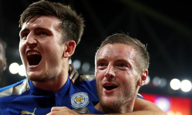 VIKTIG DUO: Jamie Vardy (t.h.) og Harry Maguire blir i Leicester. Foto: NTB Scanpix