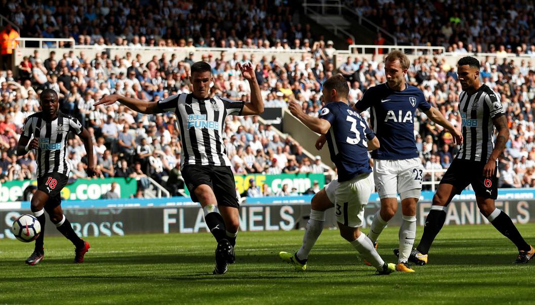<strong>2-0:</strong> Ben Davies satte inn 2-0. Foto: Reuters/Lee Smith/NTB Scanpix