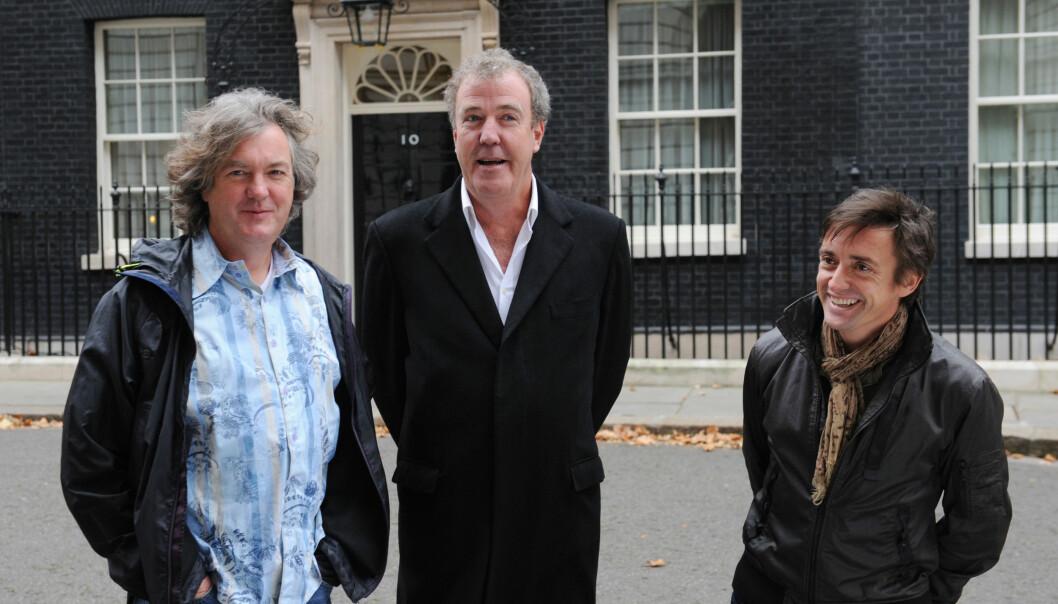 <strong>KJENTE FJES:</strong> Jeremy Clarkson (i midten) sammen med tidligere «Top Gear»-kollegaer Richard Hammond (til høyre) and James May. Foto: NTB scanpix
