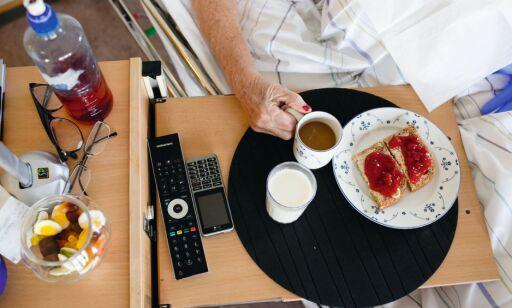 image: - Pasientene går mer enn elleve timer uten mat