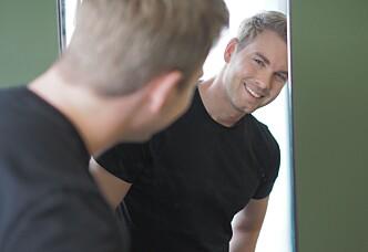 EKSPERT:Christopher Mørch Husby daglig leder av Jan Thomas Studio mener en hårkur kan gjøre susen. Foto: PRIVAT