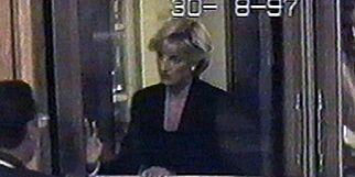 image: Slik var Dianas siste dager: Ombestemte seg timer før dødskrasjet