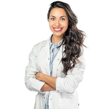 EKSPERT: Kosmetisk lege Rolah O. Lønning forklarer at alle kvinner har hår i ansiktet. Foto: privat
