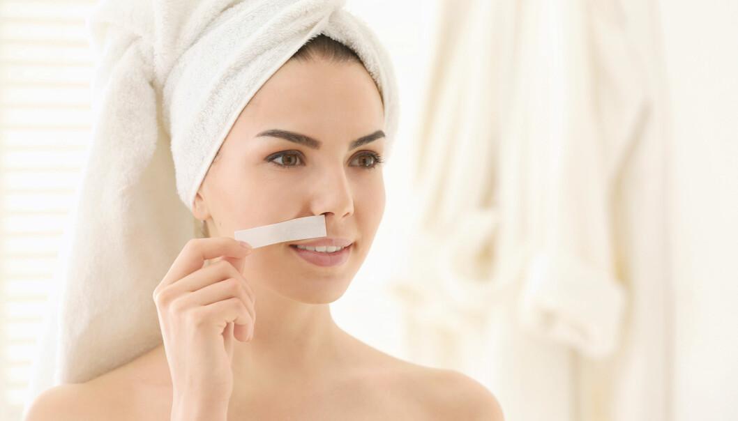 HÅR I ANSIKTET: Shave, nappe, vokse, laser eller tråd? Her er metodene ekspertene anbefaler.