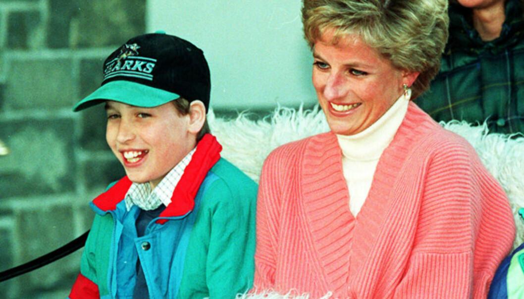 <strong>MOR OG SØNN:</strong> Prins William avbildet sammen med prinsesse Diana i 1994. Foto: NTB scanpix